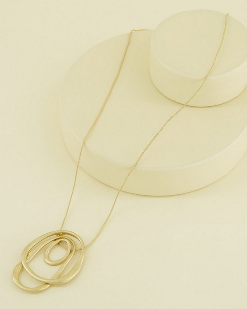 Multi-Ring Texture Pendant Necklace -  gold