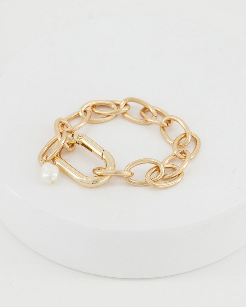 Chunky Chain and Shell Clasp Bracelet -  milk