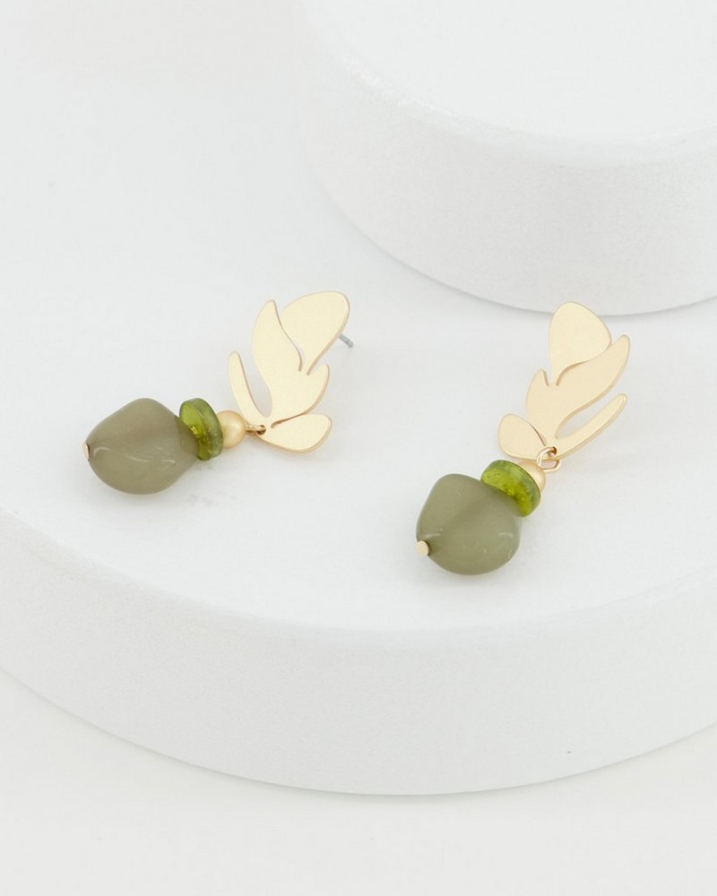 Leaf and Stone Drop ER -  olive