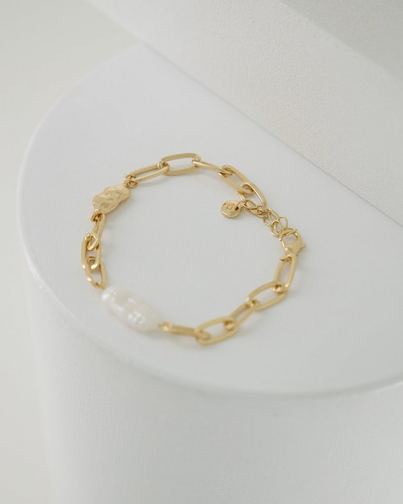 Chain Link & Pearl Bracelet -  gold
