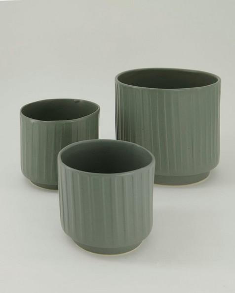 Pret-a-Pot Medium Ribbed Planter -  green