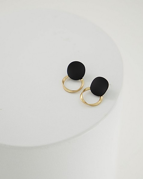 Twisted Disk Earrings -  black