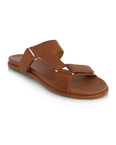 The Yara Sandal -  tan