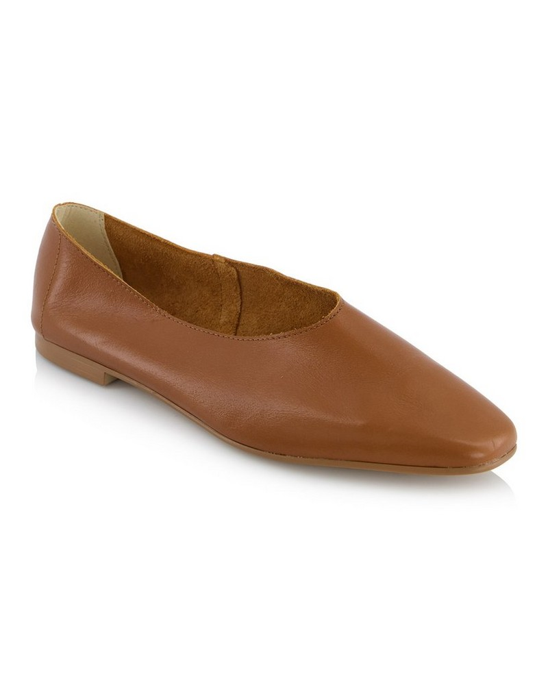 Sara Shoe  -  tan