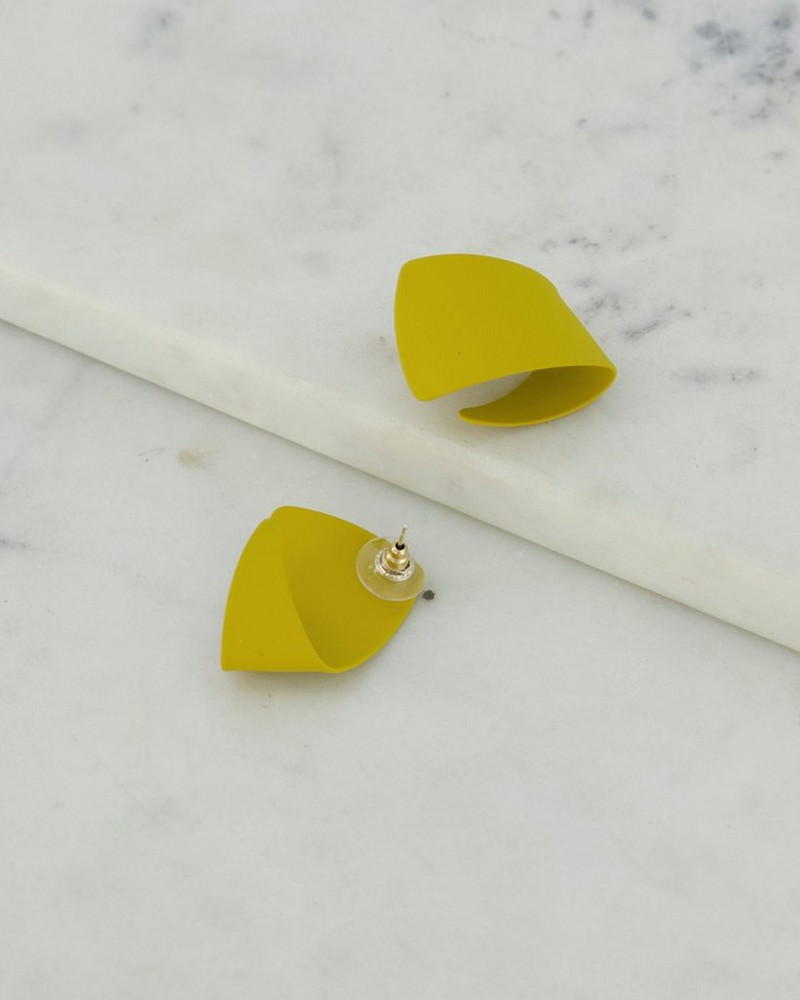 Twisted Epoxy Knot Stud Earrings -  yellow-gold