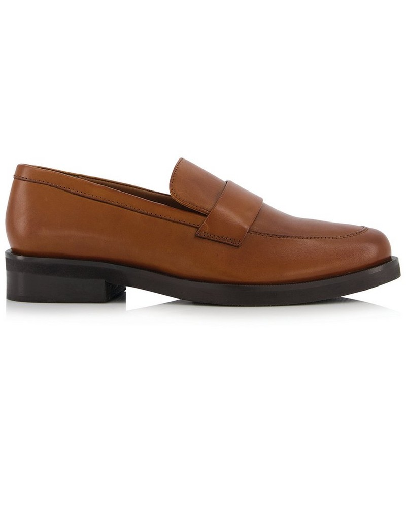 Monroe Ladies Shoe  -  tan