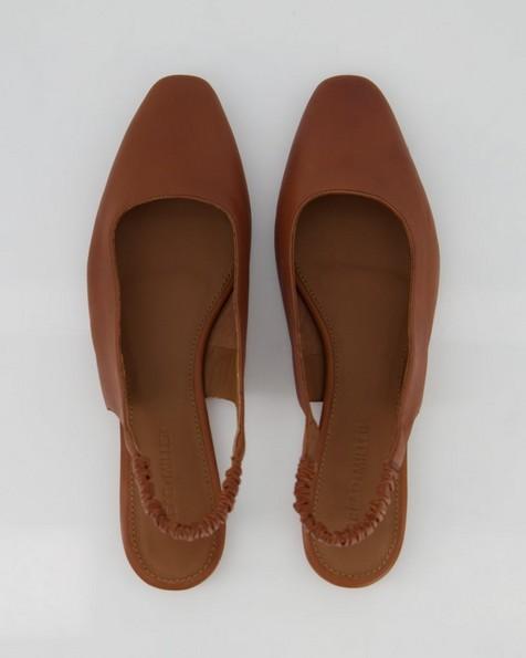 Ladies Roux Shoe  -  tan