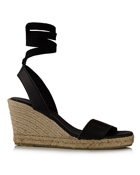 Rare Earth Ladies Janelle Wedge Heel -  black
